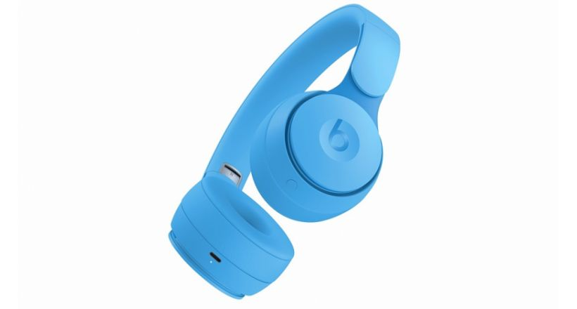 Apple launches headphones Beats Pro with noise cancellation