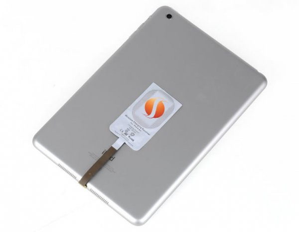The wireless charging system for 3dom iTablet iPad cases and works with Smart Covers