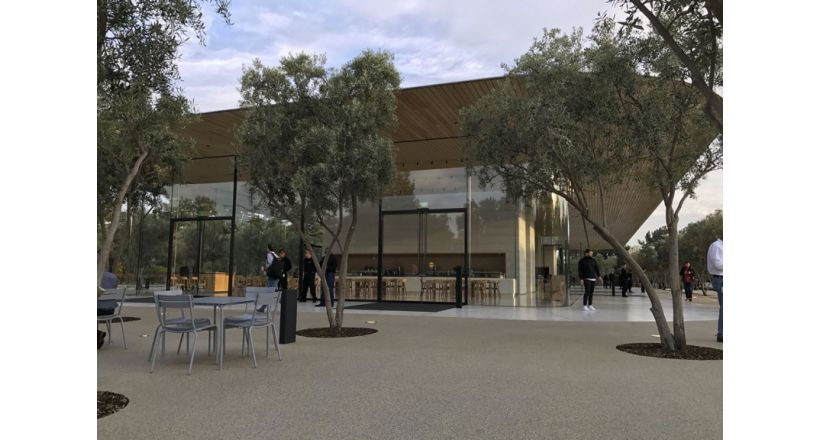 The Visitor Center of Apple Park opens to the public on the 17th of November