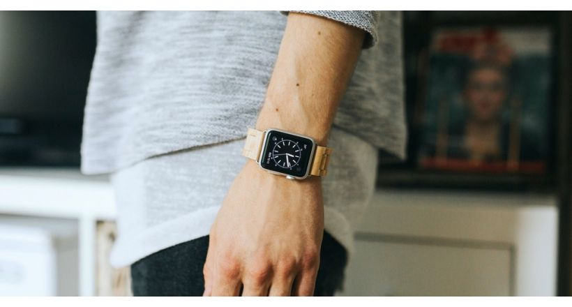 Ecostrap of Woodcessories, a band for the Apple Watch wood